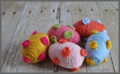Yarn Wrapped Easter Eggs - Sparkles of Sunshine
