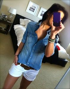 Chambray top & white shorts, will have to change it up to be right for me, but I love the basic look . this could be my go-to outfit this summer :) Mode Outfits, Casual Outfits, Fashion Outfits, Womens Fashion, Teen Outfits, White Short Outfits, Fashion 2018, Runway Fashion, Casual Dresses
