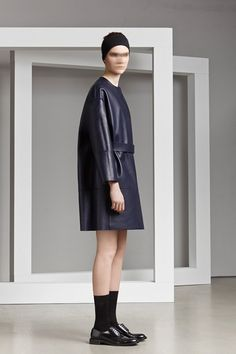 Neil Barrett Resort 2014 Fashion Show Crazy Runway Fashion, Fashion Show, Women's Fashion, Neil Barrett, Vintage Style Outfits, Designer Collection, Ready To Wear, Women Wear, Normcore