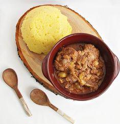 Ficatei de pui in sos de rosii (cu dovlecel) | Rețete Papa Bun Hummus, Food And Drink, Beef, Ethnic Recipes, Junk Drawer, Meat, Steak