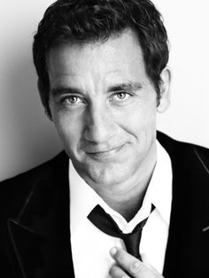 Clive Owen...have mercy. I have a crush on this man. His passion for EVERYTHING comes through in his mannerisms.
