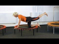 Übungsprogramm für Bauch Arme und Po auf dem Trampolin