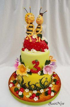 Maya the Bee/Mája and Vilko  - Cake by ZuziNyx