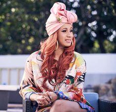 She's the bomb🔥🔥 Famous Celebrities, Celebs, Cardi B Photos, Johny Depp, Iconic Women, Girl Crushes, My Idol, Fashion Outfits, Bacardi