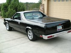 Not into most American cars... but on my bucket list is to own an El Camino. Love it