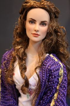 Padme Amidala - Daphne Repaint as Star Wars Episode 2 Padme.  Repaint by Sashableu, outfit by Stardust Dolls.