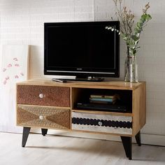 Perfect for the living room or bedroom, the Soren TV and media unit has been crafted using a mix of reclaimed wood and metal. Oak Tv Cabinet, Tv Cabinets, Interior Exterior, Home Interior, Modern Interior, Small Media Cabinet, Wooden Tv Stands, Media Unit, Media Storage