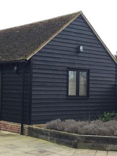 Black Painted Exterior Feather Edge sawn cladding FSC Certified in various lengths and bundles Black Cladding, Cedar Cladding, House Cladding, Exterior Cladding, Exterior Siding Options, Black House Exterior, Exterior House Colors, Exterior Paint, Black Windows Exterior