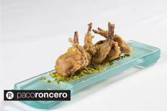 El plato favorito con conejo de Paco Roncero es el conejo al ajillo. Aquí os dejamos una receta que esperemos os guste. ¡Manos a la obra! http://carnedeconejo.es/conejo-al-ajillo/