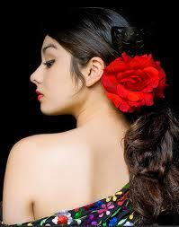 now that's the way to wear a #flower/ Portrait of #Flamenco dancer, #AngelicaMagana