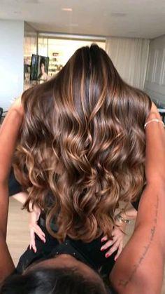 Brown Hair Balayage, Ombre Hair, Brunette Hair Highlights, Highlights For Dark Hair, Balayage Hair Brunette Caramel, Beautiful Brown Hair, Gorgeous Hair, Hair Color For Black Hair, Brown Hair Colors