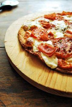 Pizza de quínoa, ideal para si no comes gluten, así como si quieres comer rico y sano.