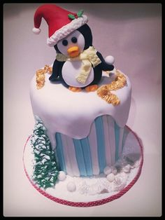 christmas penguin - Cake by Time for Tiffin New Year's Cake, Mom Cake, Fancy Cakes, Cute Cakes, Yummy Cakes, Beautiful Cakes, Amazing Cakes, Santa Cake, Penguin Cakes