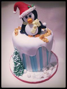 christmas penguin - by timefortiffin @ CakesDecor.com - cake decorating website