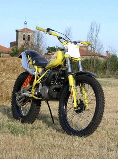 Ossa 350 Trial, amarilla un clásico transformado. Una maravilla hecha en Vitale. Bultaco Motorcycles, Cars And Motorcycles, Motorbikes, Moto Ossa, Motos Trial, Tracker Motorcycle, Riff Raff, Off Road Bikes, Trial Bike