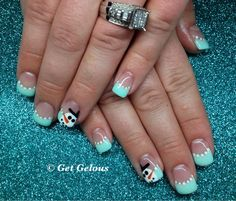 Just like the snowman design. Without the blue tips. Xmas Nails, Get Nails, Love Nails, Christmas Nails, How To Do Nails, Pretty Nails, Sassy Nails, Holiday Nail Art, Christmas Nail Designs