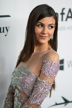 Pin for Later: Victoria Justice Just Took Our Breath Away With 1 Inspirational Red Carpet Look