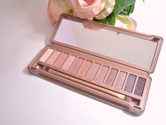 Urban Decay Naked 3 Eyeshadow Palette - Queen Of All You See Train Case, Urban Decay, Eyeshadow Palette, Swatch, Naked, Skincare, About Me Blog, Make Up, Cosmetics