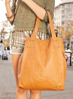 mtng-mustang-street-style-bolso-letonia