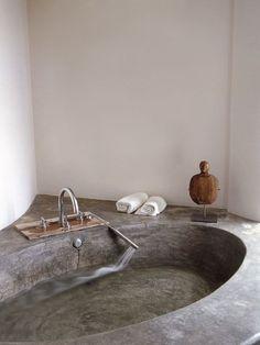 Cool 46 Superb Tadelakt Bathroom Design Ideas For Unique Bathroom. Bad Inspiration, Bathroom Inspiration, Interior Inspiration, Bathroom Ideas, Bathroom Inspo, Bathroom Organization, Interior Architecture, Interior And Exterior, Interior Design
