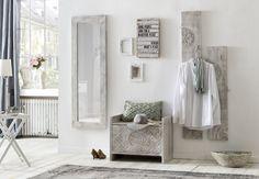 Der Flurbereich vermittelt einen ersten Eindruck der Wohnung. Mit den Flurmöbeln Mackay in heller, freundlicher Farbe treten die Gäste gerne ein und fühlen sich augenblicklich willkommen. Die Flurmöbel Serie besteht aus verschiedenen, optimal aufeinander abgestimmten Möbelstücken. #mangoholz #flur #schlafzimmer #flurideen #spiegel #garderobe #wallhanging #truhe #stauraum Hallway Furniture, Furniture, Wood Grain Texture, Wardrobe Sets, Home Decor, Wall Mounted Coat Rack, Particle Board, Hall Furniture, Wall Paneling