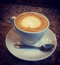 Gracias a @nahun57 por compartir un momento especial y regalarnos esa instantánea de su delicioso #Capuccino  . . .  regram @nahun57 Divino #capuccino de @aromadicaffe deleitando la tarde! #coffee #Rela