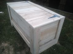 Blanket Box made from recycled pallets  You can check out my other listings by clicking this link here, and if you like my products feel free to add me as a favourite seller.   http://www.trademe.co.nz/Members/Listings.aspx?searchtype=SELLER&   member=1408573   Thank you for checking out this auction