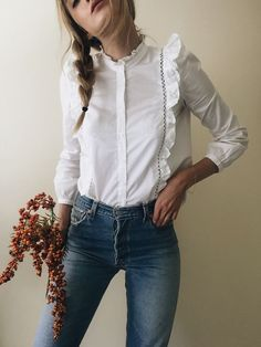 women's button down ruffled shirt with jeans, spring/summer style, how to style, casual outfit, street style, daytime look, everyday wear, feminine style