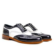 HOW TO CUSTOM AND DESIGN YOUR OWN SHOES   #designitalianshoes #amydishoes #shoes #accessories #madeinitaly #brand #trend #custom #fashion #italy #colors #fashionblogger #menswear #blackandwhite Design Your Own Shoes, Italian Shoes, Sperrys, Boat Shoes, Amy, Oxford Shoes, Dress Shoes, Menswear, Lace Up