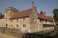 Ightham Mote, Kent    A moated house built in 1320 and now owned by the National Trust. Photo by   By Iconoclast! (shutterclutter.co.uk) on Flickr