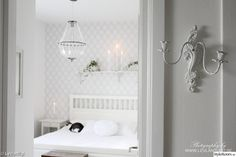 Swedish country, light and fresh. Cosy Interior, Interior Exterior, Interior Design, Boho Wedding Gown, Love Decorations, Black And White Interior, Stylish Bedroom, Comfy Bed, Hemnes