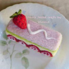 Needle felted Strawberry Matcha cake handmade by FunFeltByWinnie