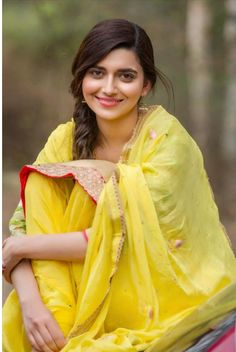 l nimrat khaira Girl Photo Poses, Girl Photography Poses, Girl Poses, Stylish Girls Photos, Stylish Girl Pic, Beautiful Indian Actress, Beautiful Actresses, Beautiful Ladies, Beauty Full Girl