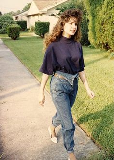Fold over jeans with a tight roll! http://www.liketotally80s.com/fold-over-jeans.html