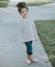 Baby photography toddler little girls 34 ideas Cute Baby Girl Pictures, Stylish Girl Pic, Cute Girl Photo, Stylish Kids, Baby Girl Fashion, Kids Fashion, Poses Modelo, Cute Baby Girl Wallpaper, Cute Babies Photography