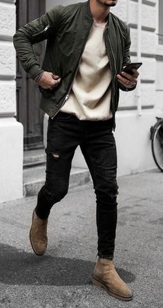 Bomber Jacket Outfit, Green Jacket Outfit, Ripped Jeans Outfit, Denim Shirt With Jeans, Denim Shirts, Vintage Street Fashion, High Fashion, Mens Fashion Suits, Fashion Menswear