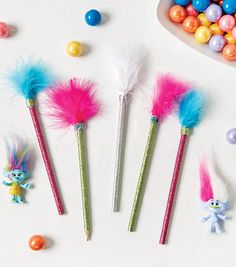 How To Make Troll Pencil Hair Toppers trolls party Trolls Birthday Party, Troll Party, 6th Birthday Parties, Birthday Diy, Birthday Ideas, Theme Color, Thinking Day, Childrens Party, Hair Toppers