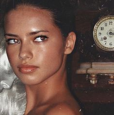 Top Models, Claudia Schiffer, Irina Shayk, Pretty People, Beautiful People, Vs Fashion Shows, Victoria Secret Fashion, Aesthetic Makeup, Cara Delevingne