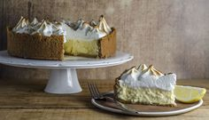 Lemon Curd Meringue Cheesecake