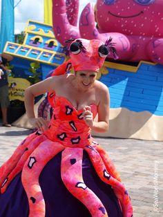 octopus-lady.jpg 2,736×3,648 pixels