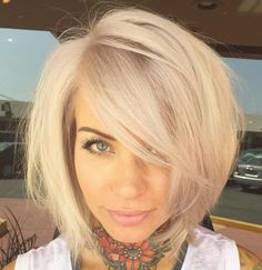 37 Cute Medium Haircuts to Fuel Your Imagination Layered Blonde Bob With Side Bangs Cute Medium Haircuts, Layered Bob Haircuts, Cute Haircuts, Layered Bobs, Pixie Haircuts, Angled Bobs, Stacked Bobs, Medium Layered, Round Face Haircuts