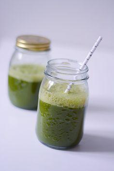 Sund, grøn tørstslukker - Emily Salomon