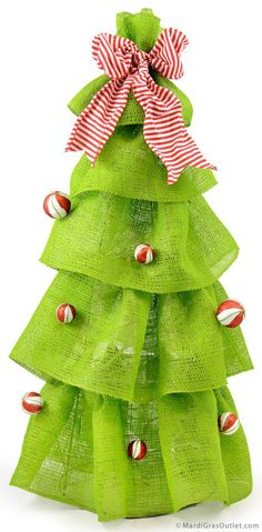 Diy Lighted Christmas Tree Decoration From A Tomato Cage. Sparkly candy striped balls a striped bow on a ruffled burlap Christmas tree. Burlap Christmas Tree, Outdoor Christmas, Simple Christmas, Christmas Tree Decorations, Christmas Ornaments, Tomato Cage Crafts, Tomato Cages, Xmas Crafts, Diy Crafts