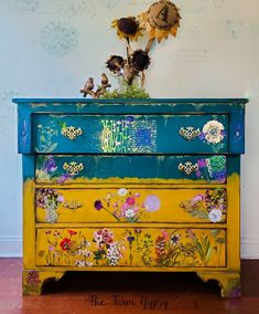 Historic Charleston Sc, Chalk Paint Furniture, Furniture Companies, Vintage Furniture, Gypsy, Restoration, Mood, Flower, Diy