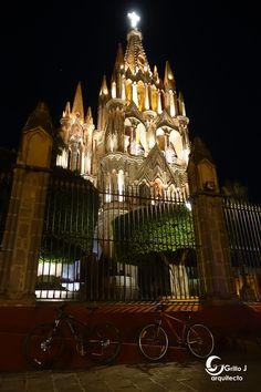 San Miguel de Allende, Parroquia San Miguel Arcángel
