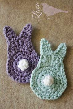 Crochet bunny Love The Blue Bird: Spring Bunny Tutorial. Holiday Crochet Patterns, Easter Crochet Patterns, Crochet Bunny Pattern, Love Crochet, Crochet Flowers, Knitting Patterns, Double Crochet, Single Crochet, Crochet Bunting Free Pattern