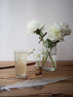 Honeyed Highball 2 oz Hakushu 12 1/4 oz honey syrup* 3 oz well-carbonated soda water (cold) 1 dash Bitter Truth Old Time Aromatic Bitters *Honey syrup: Mix 1 part honey with 1 part hot water. Stir until combined. Let cool.   Fill a Collins glass with ice. Pour ingredients over ice and stir gently to combine. Serve.