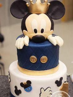 Baby Shark First Birthday Cake Bolo Mickey Baby, Baby Mickey Mouse Cake, Festa Mickey Baby, Mickey Cakes, Baby Boy 1st Birthday Party, Mickey Mouse Clubhouse Birthday, Baby Birthday Cakes, Prince Birthday Party, Minnie Birthday
