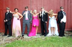 Cute Prom Picture. Cute for groups or couples. Prom Photography