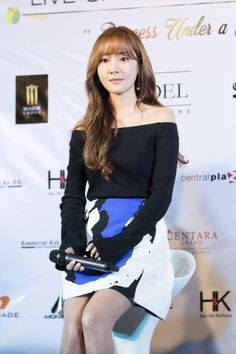 """""""160610 Jessica - Jessica's Fanmeeting in Thailand """"Princess Under a Gold Sky"""" Press ConferenceSongjinna   ☞ Do not edit, Do not remove the watermark"""""""